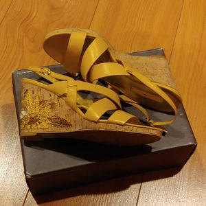 Woman shoes leather
